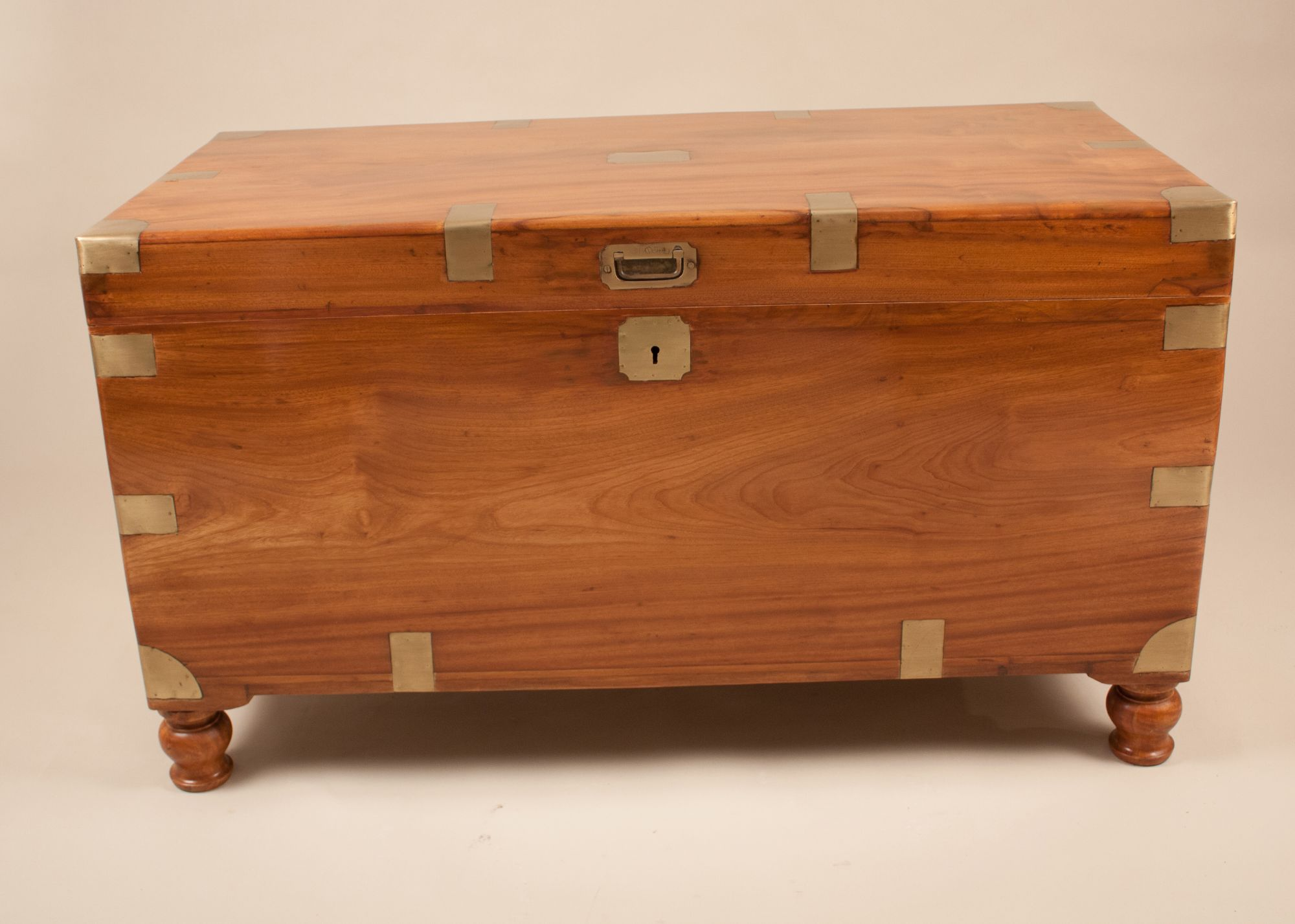 Home furniture english camphor wood captains chest