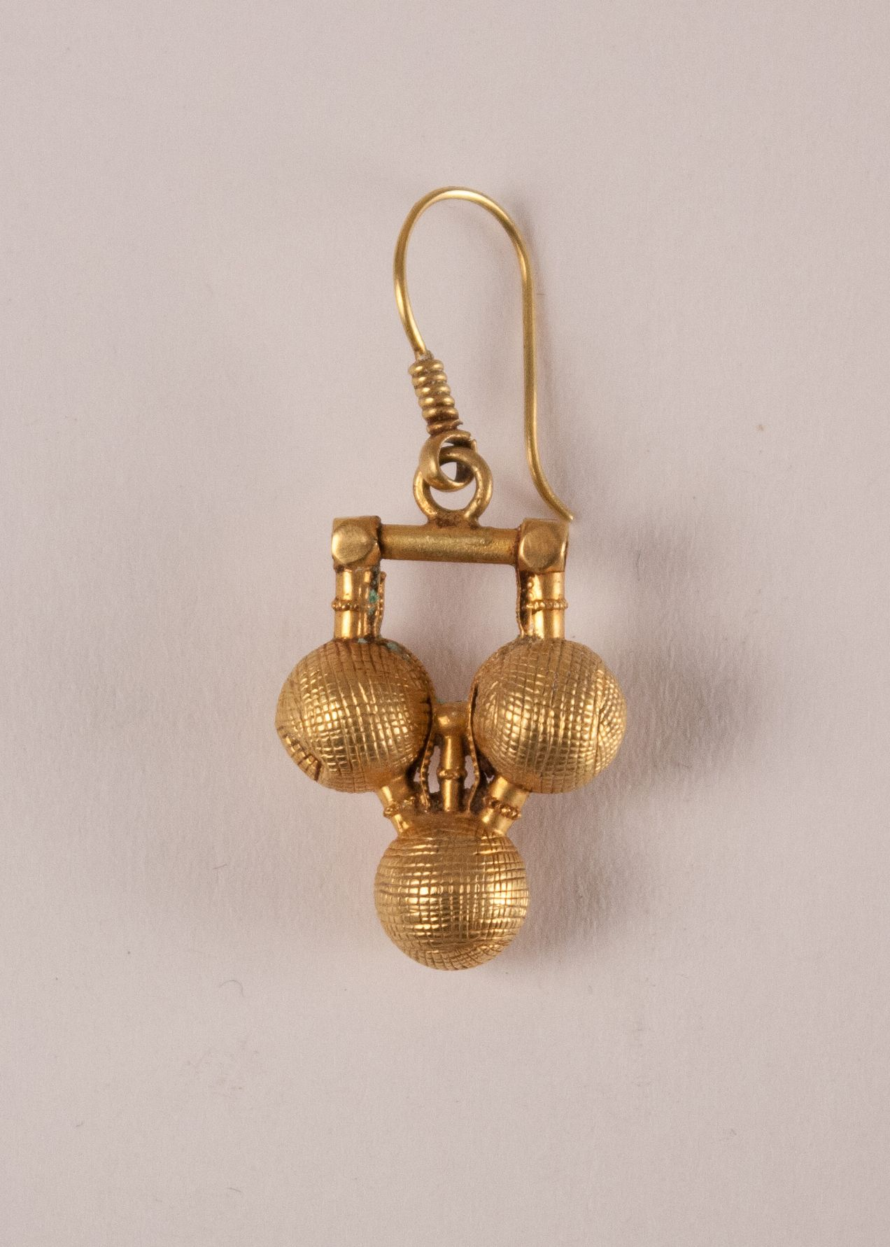 22 karat gold tribal indian dangle wire earrings with three balls fair trade antiques. Black Bedroom Furniture Sets. Home Design Ideas